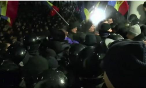 Moldovos gyventojai protestuoja prieš proeuropietišką naujosios valdžios kursą