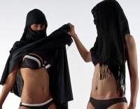 Viena hidžabo [parandžos, čadros, nikabo] atsiradimo versija