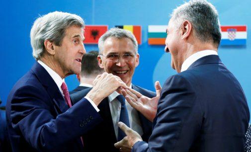 Juodkalnija buvo priimta į NATO nežiūrint į Rusijos protestus