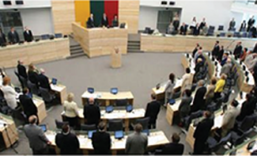 Seimas sieks dvigubos pilietybės referendumui sumažinti būtinų balsų skaičių iki 40% rinkėjų