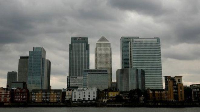 Dangoraižiai Londono verslo rajone