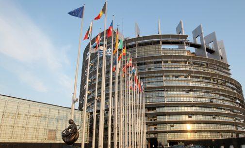 Lenkijos deputatė įtikino Europarlamentą prilyginti Rusiją Islamo valstybei