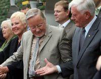 Laisvės premijos siūlomos skirti Valdui Adamkui ir Vytautui Landsbergiui