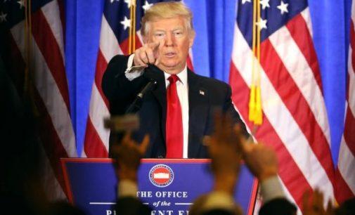 """Donaldas Trampas pažadėjo pakeisti """"Obamacare"""" medicininiu """"draudimu visiems"""""""