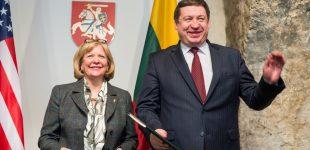 Lietuva ir JAV pasirašė susitarimą dėl JAV ginkluotųjų pajėgų statuso Lietuvos teritorijoje