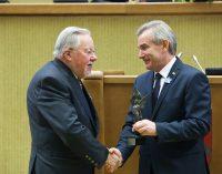 V. Landsbergis: prie Vilniaus mums rengiama branduolinė pražūtis, o mes tebevėpsom į čiabuvių skerdyklą, jei Krembliaus verslas prašo