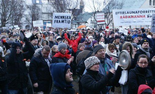 Tyli revoliucija Islandijoje. Referendumas ir pasaulio masinių informacijos priemonių tyla
