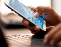 Pradedamas cenzūruoti telefonų programinių papildinių parduotuvių parduodamas turinys