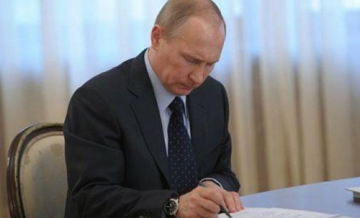 Rusijos prezidentas pasirašė įsaką, kuriuo pripažįstami Donecko ir Lugansko sričių gyventojams išduoti dokumentai