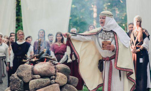 """""""Mėnuo Juodaragis"""" Vilniaus knygų mugėje pristatys XX-ąjį festivalį"""