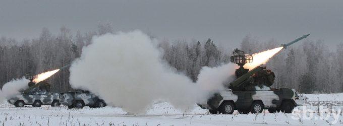 """Baltarusijos gynybos ministras apie """"isteriją"""" dėl karinių mokymų """"Vakarai-2017"""""""