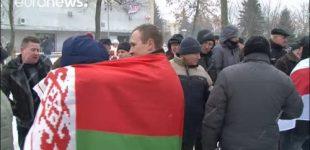 """Protestai prieš """"veltėdžių mokestį"""" apėmė visą Baltarusiją"""