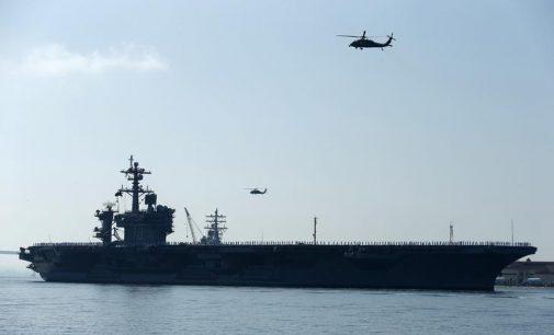 JAV lėktuvnešis pradėjo patruliavimą Pietų Kinijos jūroje