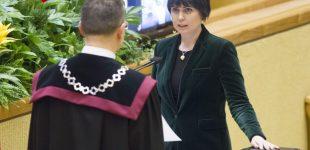 """Dovilė Šakalienė reikalauja """"Lygių teisių geroms naujienoms"""""""