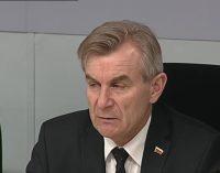 Seimo pirmininkas išplečia vaikų nepriežiūrą, kaip vieną smurto prieš vaiką formų,  įtraukdamas į ją atsisakymą skiepyti vaikus