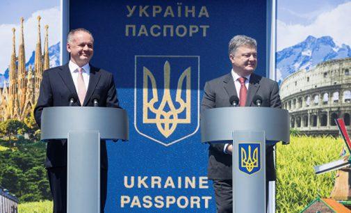 Sekmadienį 45 milijonai ukrainiečių gavo galimybę be vizų vykti į ES