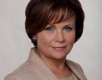 Rasa Juknevičienė teigia, jog atsakomybė dėl auksinių gertuvių pirkimo kariuomenei tenka buvusiam krašto apsaugos ministrui