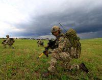 """NATO apgynė """"pažeidžiamą Baltiją"""" nuo """"botnių"""""""