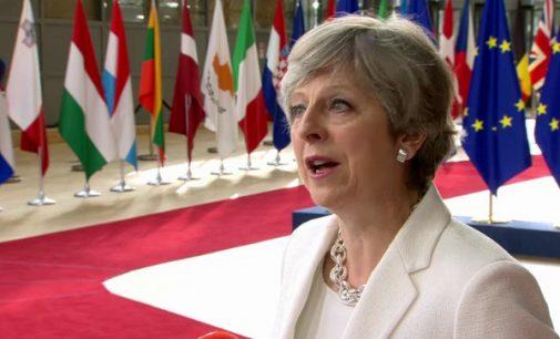 Brexit. Theresa May ir ES – pirmas susidūrimas