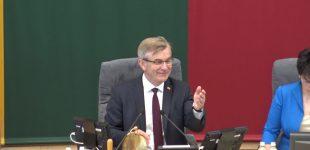 """Seimo pirmininkas Viktoras Pranckietis konservatorių suvažiavime teigė: """"demokratijos pagrindas – tai partijos"""""""