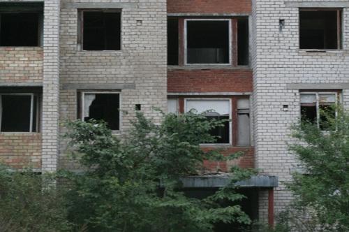 daugiaaukščiai be langų