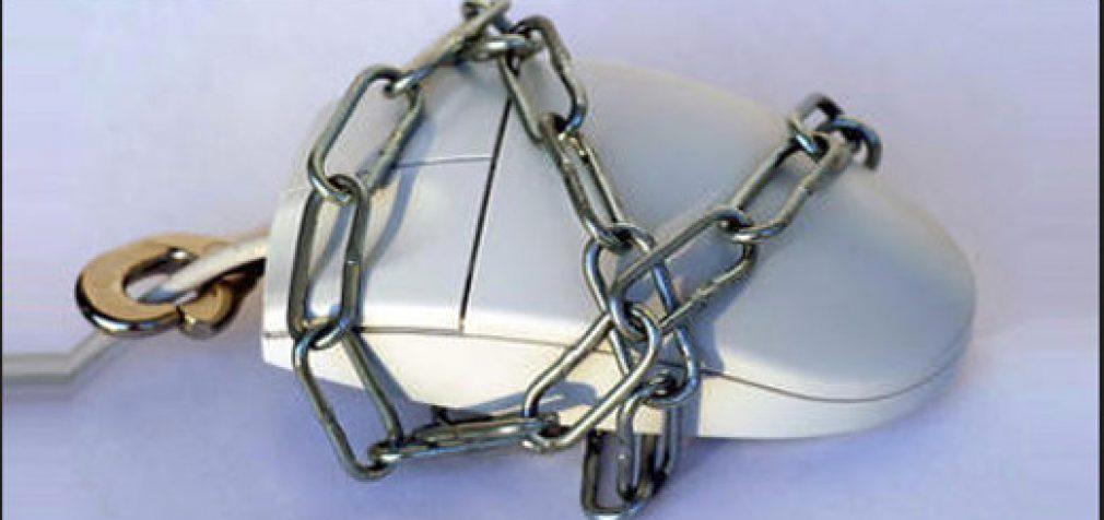 Pasak naujojo interneto cenzūros įstatymo Rusijoje, kiekvienas – potencialus nusikaltėlis