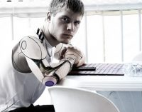 Pusiau kiborgų era: žmonija pasidalins į dvi biologines rūšis