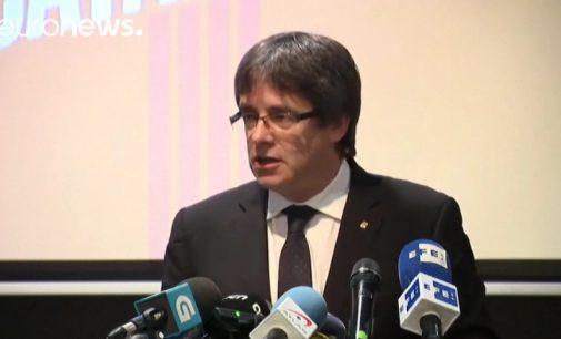 Buvęs Katalonijos prezidentas Carles Puigdemont pradėjo rinkimų kampaniją