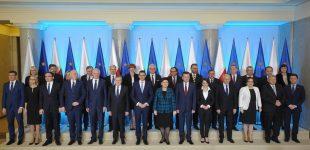 Lenkija laimi pirmą mūšį dėl suvereniteto