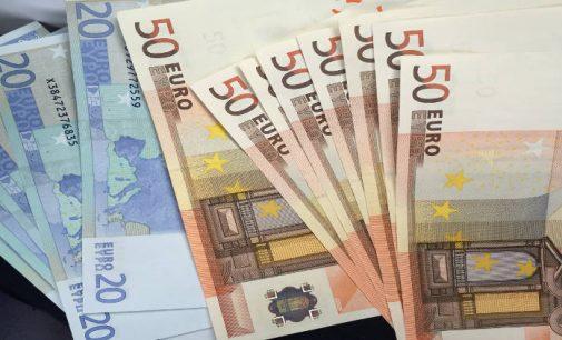 Pinigai tiesiog šiaip: Suomijos eksperimentas suteikiant universalias bazines pajamas