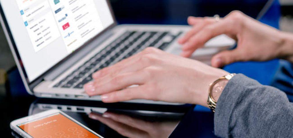 Patarimai, kaip nepakliūti į nelegalių prekiautojų internetu pinkles