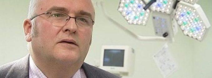 Chirurgas išdegindavęs savo inicialus pacientų kepenyse, išvengė kalėjimo