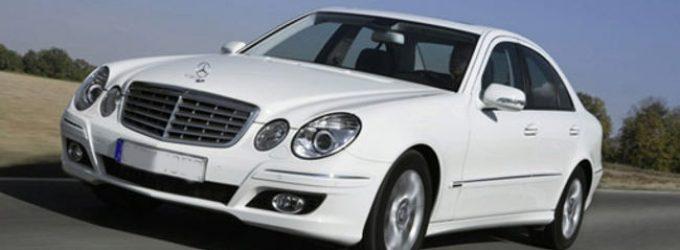 Donaldas Trampas pagrasino ES automobilių pramonei 20 procentų muitais