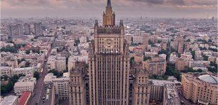 Rusija išsiunčia britų diplomatus ir neatidarys Britanijos pasiuntinybės Sankt Peterburge