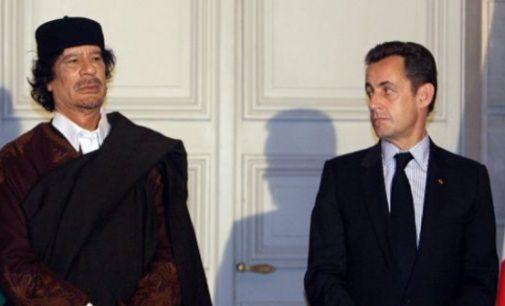 """Muammaras Kaddafis sušelpė Sarkozy rinkiminę kampaniją – pastarasis vėliau """"atsidėkojo"""" užpuldamas Libiją"""
