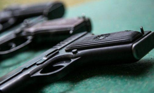 Valstybė atsisako ginklų prekybos monopolio