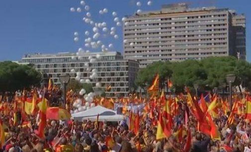 Madridas nebevaldo Katalonijos ir separatistai vėl valdžioje