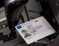 Vairuotojai nuo liepos 1 galės važinėti be teisių, be automobilio registracijos, techninės apžiūros ir draudimo dokumentų