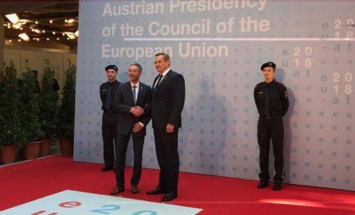 ES ministrai tariasi dėl sienų apsaugos bei kovos su nelegalia migracija
