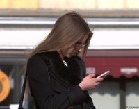 Skaitmeninis perdozavimas: kada išmanieji telefonai ima kenkti dvasinei būsenai