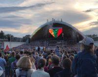 Baigiamasis Dainų šventės akordas – Tautinė giesmė, giedama žmonių jūros susirinkusios Vingio parke