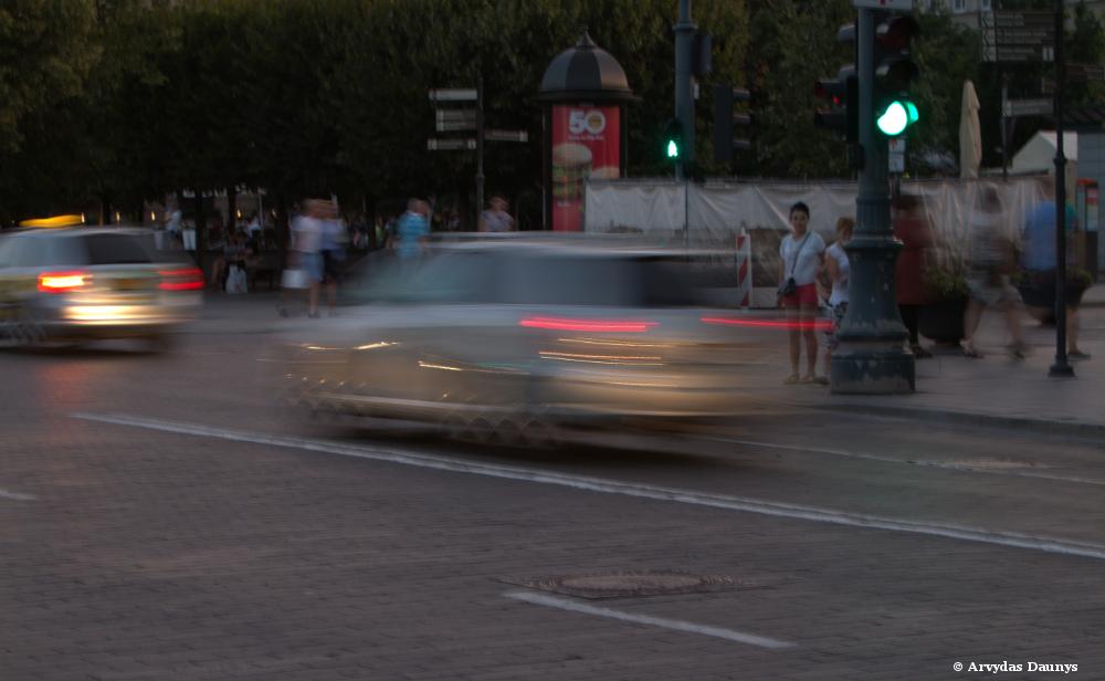 automobilio greitis ir vairuotojo reakcija