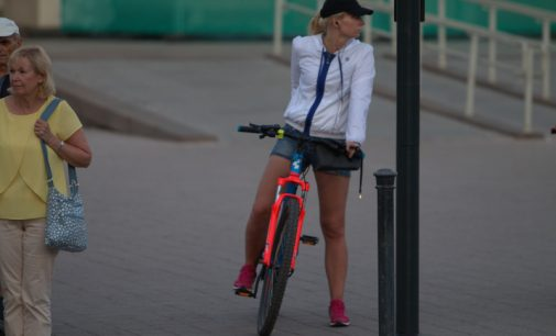 Atnaujintose kelių eismo taisyklėse didesnis dėmesys pėstiesiems ir dviratininkams