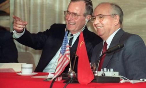 Maltos aukščiausio lygio susitikimas – Dž. Bušas ir M. Gorbačiovas