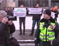 Piketas prie JAV ambasados prieš NATO ir amerikiečių kariuomenę Lietuvoje [video]
