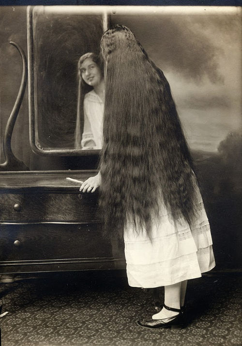 Long Hair Victorian Lady (8)