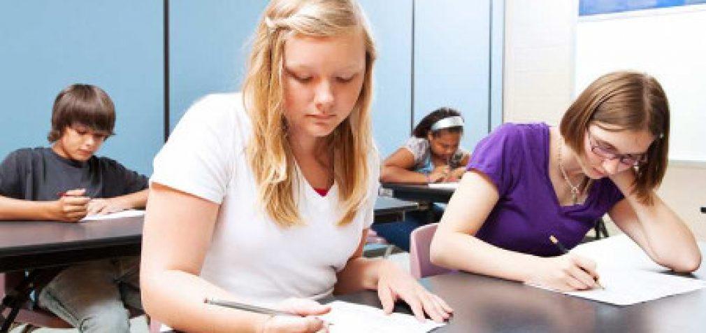 JAV mokyklose 12-mečių klausiama ar jie užsiima oraliniu ir analiniu seksu