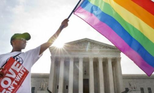 Aukščiausias JAV teismas įteisino vienalytes santuokas visoje šalies teritorijoje