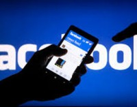 """Ką """"Facebook"""" būsenos atnaujinimai sako apie jūsų asmenį?"""