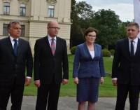 Vyšegrado grupės šalių lyderiai atmetė EK pabėgėlių kvotų sistemą